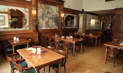 U Zeleného Stromu Hotel and Švejk restaurant