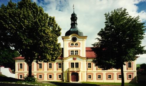 Nebílovy Chateau