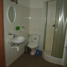 Penzion - jízdárna - koupelna- (1024x768)