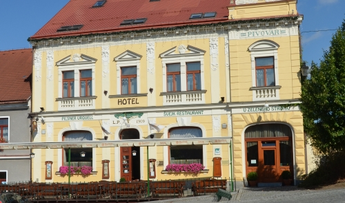 Hotel und Švejk Restaurant U Zeleného stromu (Zum Grünen Baum)