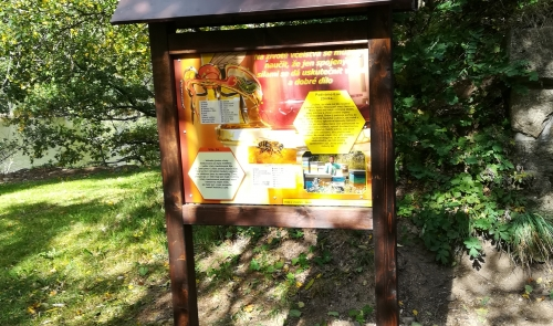 Včelařská naučná stezka