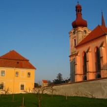 Nepomuk - kostel sv. Jakuba a arciděkanství